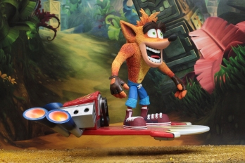 NECA-Deluxe-Crash-with-Hoverboard-002
